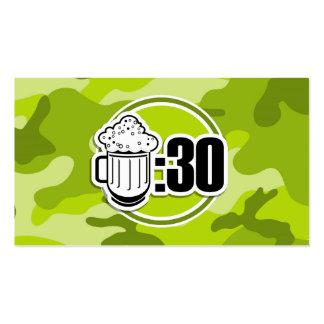 Cerveza divertida: 30, camo verde claro, camuflaje plantilla de tarjeta personal