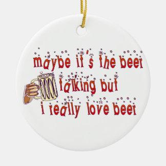 Cerveza divertida del amor adorno navideño redondo de cerámica