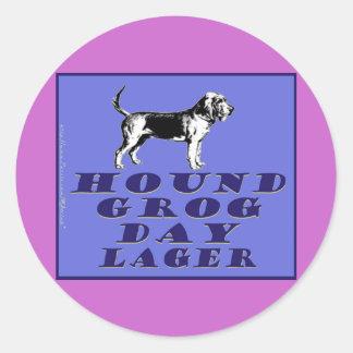 Cerveza dorada del azul del día del grog del perro pegatina redonda