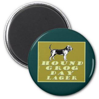 Cerveza dorada del oro del día del grog del perro imán redondo 5 cm