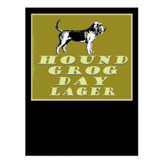 Cerveza dorada del oro del día del grog del perro postal