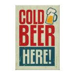 Cerveza fría lienzo envuelto para galerias