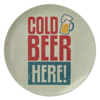 Cerveza fría plato para fiesta