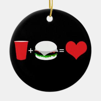 cerveza + hamburguesa = amor adorno navideño redondo de cerámica