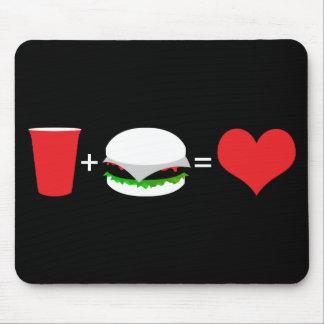 cerveza + hamburguesa = amor alfombrillas de ratón