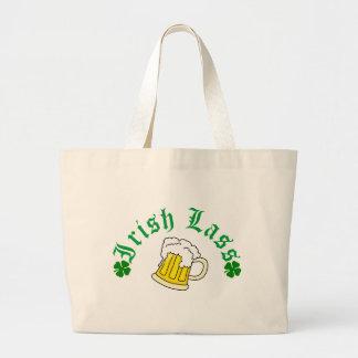 Cerveza irlandesa de la muchacha bolsa