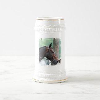 Cerveza oscura clavada con tachuelas Stein del cab Tazas De Café