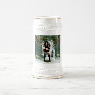 Cerveza Stein del duende del arbolado Jarra De Cerveza