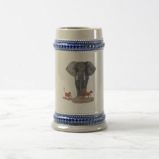 """Cerveza Stein del """"elefante y de las leonas"""" Tazas"""