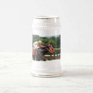 Cerveza Stein del final de la carrera de caballos Jarra De Cerveza