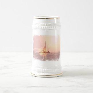 Cerveza Stein del velero de la puesta del sol Taza