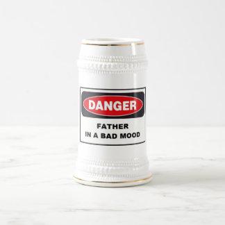 ¡Cerveza Stein - peligro, padre en mún humor! Jarra De Cerveza