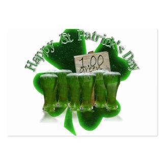 Cerveza verde para un dólar con el trébol tarjetas de visita grandes