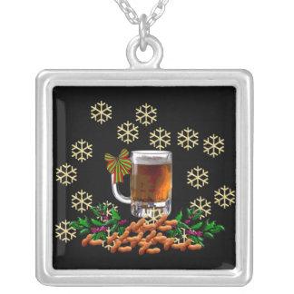 Cerveza y cacahuetes colgante cuadrado