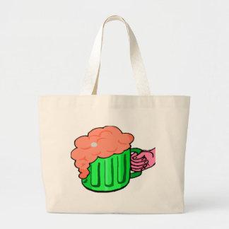 cerveza y mano bolsa