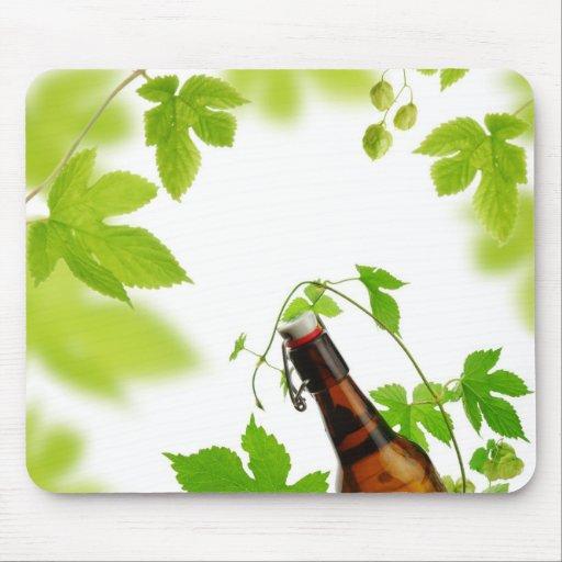 Cerveza y saltos frescos mousepads
