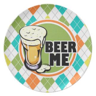 ¡Cerveza yo!  Modelo colorido de Argyle Plato Para Fiesta