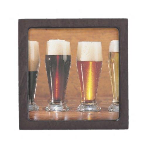 Cervezas y cervezas inglesas clasificadas cajas de joyas de calidad