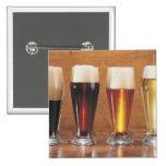 Cervezas y cervezas inglesas clasificadas pin cuadrado