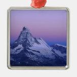 Cervino en el amanecer, Zermatt, montañas suizas, Ornato