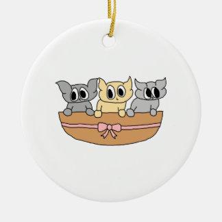 Cesta con 3 gatitos, historieta ornatos