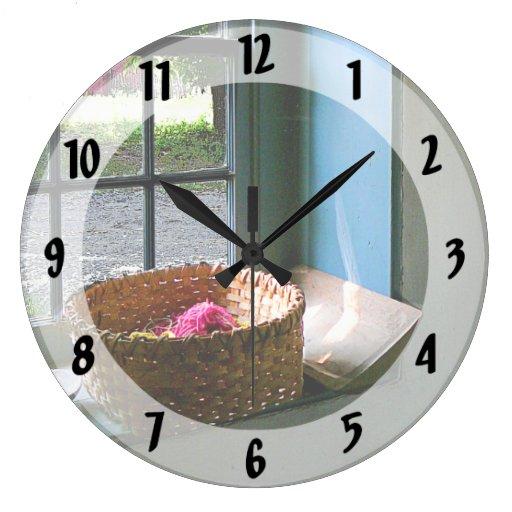 Cesta con hilado relojes