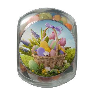 Cesta con los huevos de Pascua en hierba verde Jarrones Cristal