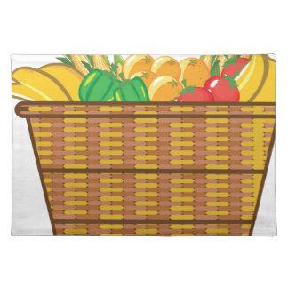 Cesta con vector de las frutas y verduras mantel individual