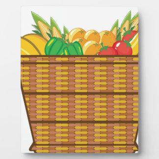 Cesta con vector de las frutas y verduras placa