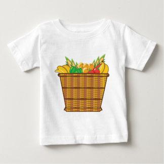 Cesta con vector de las frutas y verduras playera