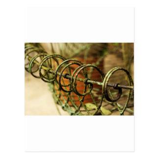 Cesta de alambre del jardín postales