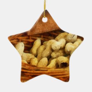 Cesta de cacahuetes ornatos