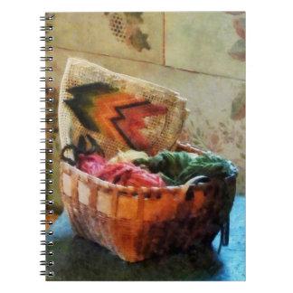 Cesta de hilado y de tapicería libreta espiral