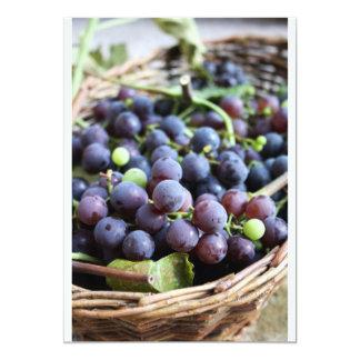 Cesta de invitación de las uvas