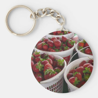 cesta de la fresa llavero redondo tipo pin
