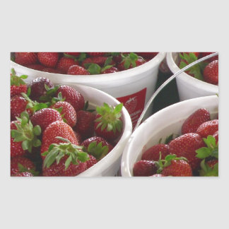 cesta de la fresa pegatina rectangular