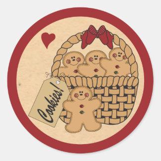 Cesta de la galleta del pan de jengibre etiquetas redondas