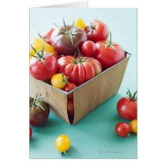 Cesta de tomates de la herencia felicitación
