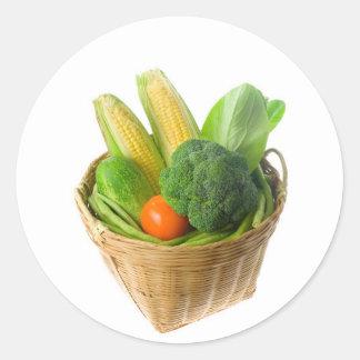 Cesta de verduras etiqueta redonda