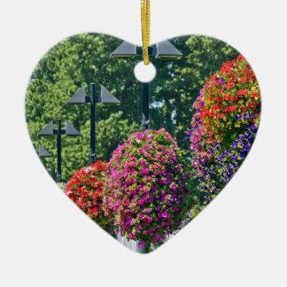 Cestas colgantes de la flor adorno de cerámica en forma de corazón