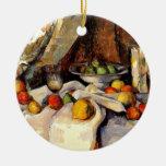 Cezanne - todavía vida, poste, botella, taza y adorno navideño redondo de cerámica
