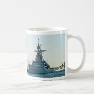 """CGN 39"""" USS Tejas"""", crucero de propulsión nuclear, Tazas"""