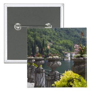 Chalet Monastero, jardines y orilla del lago, Vare Pin Cuadrado