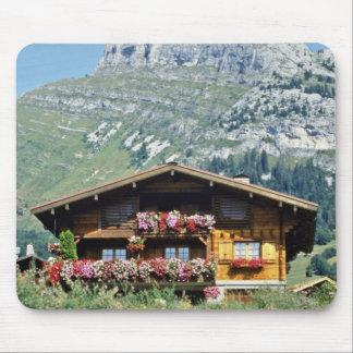 Chalet sobre Le Grand Bornand, montañas francesas, Alfombrillas De Ratón