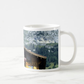 Chalet sobre Le Grand Bornand montañas francesas Taza De Café