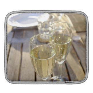 Champagne glasses sleeve for iPads
