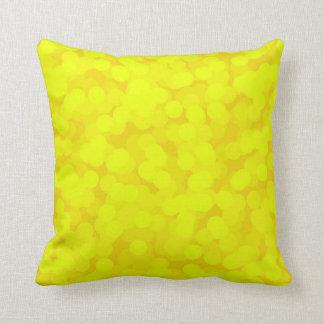 Champán amarillo burbujea las almohadas