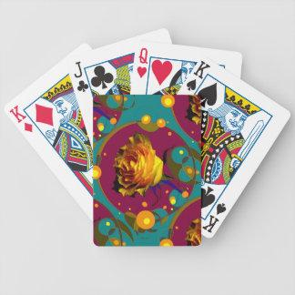 Champán color de rosa de oro burbujea los regalos barajas de cartas