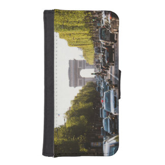Champs Elysees and The Arc De Triomphe iPhone SE/5/5s Wallet Case