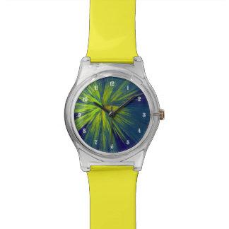 Chapoteo amarillo reloj de mano